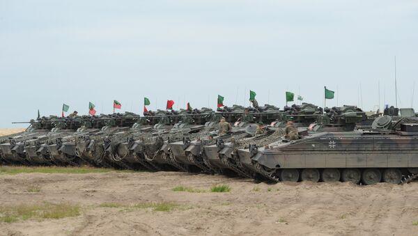 Carri armati NATO - Sputnik Italia