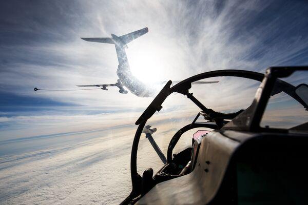 Il-78 durante le esercitazioni dell'aviazione della Flotta del Mar Nero. - Sputnik Italia