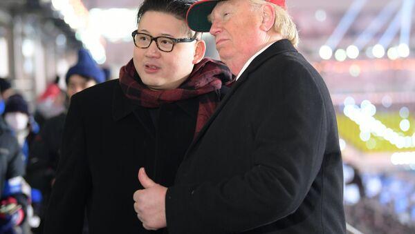 I sosia di Donald Trump e Kim Jong-Un a Pyeongchang - Sputnik Italia