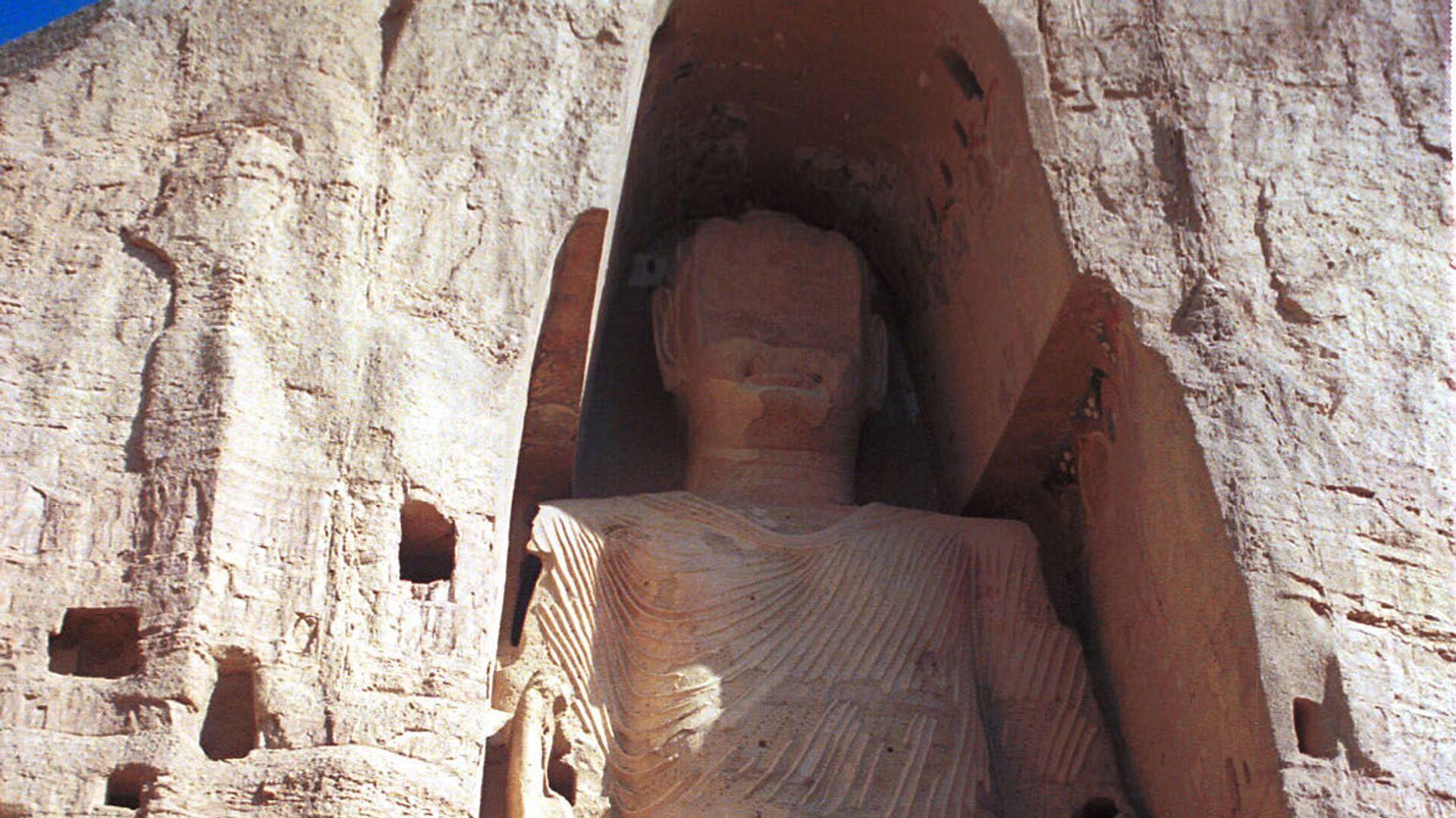 Statua di Buddha, alta 53 metri, nei pressi di Kabul, distrutta dai talebani nel 2001 - Sputnik Italia, 1920, 29.08.2021