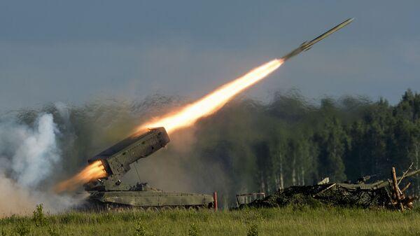 Il lancio del razzo russo durante delle esercitazioni - Sputnik Italia