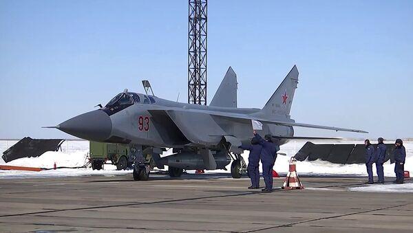 Il nuovo missile supersonico russo Kinzhal è stato lanciato per la prima volta da un caccia MiG-31 - Sputnik Italia