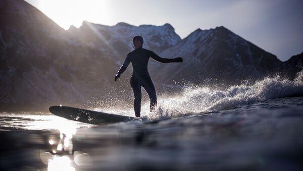 Il surf artico in Norvegia. - Sputnik Italia
