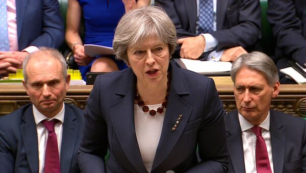 Theresa May parla al Parlamento - Sputnik Italia