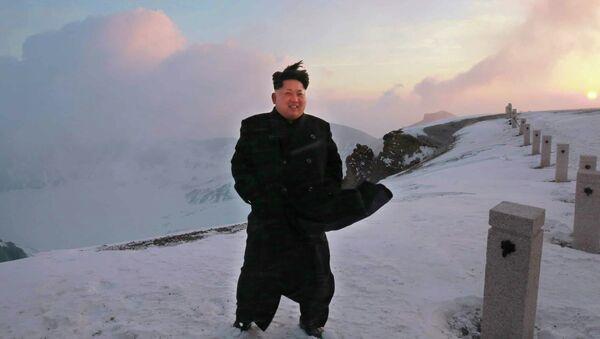 North Korean leader Kim Jong-Un on a snow-covered top of Mount Paektu in North Korea - Sputnik Italia