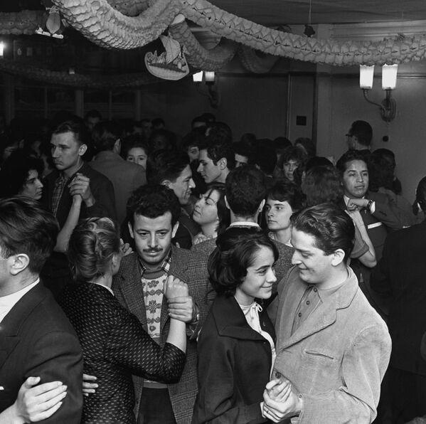 Come ci si divertiva nell'URSS - Sputnik Italia