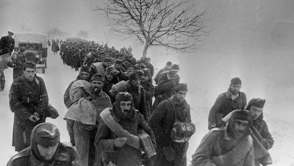 Prigionieri delle forze dell'Asse sotto Stalingrado - 1943 - Sputnik Italia