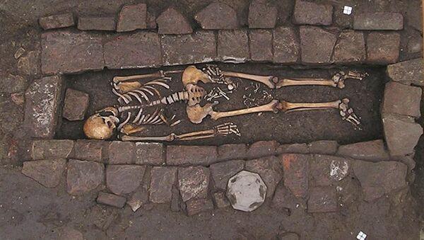 Donna sepolta nell'Alto Medioevo - Sputnik Italia