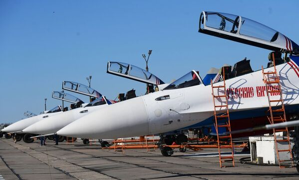 Le prove del segmento aereo della Parata del 9 maggio - Sputnik Italia