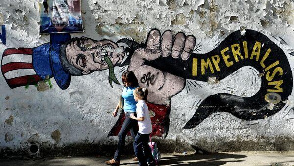Un graffito anti USA a Caracas - Sputnik Italia