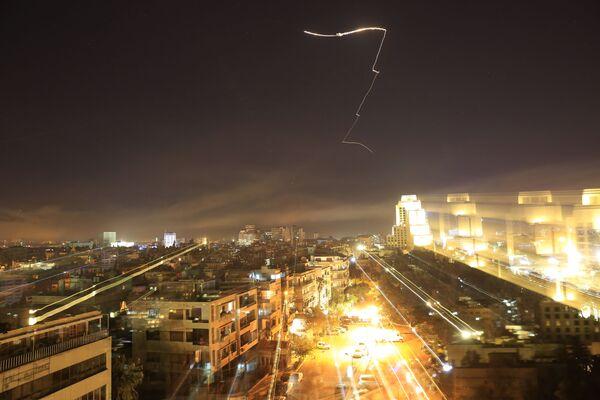 Il governo siriano chiede alla comunità internazionale di condannare l'attacco missilistico di Stati Uniti, Gran Bretagna e Francia. - Sputnik Italia