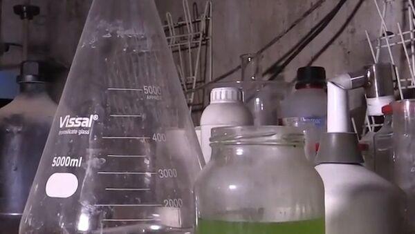 Rivelato un laboratorio degli insorti siriani per le armi chimiche a Duma - Sputnik Italia