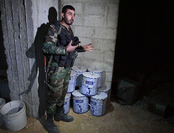 Laboratorio degli insorti siriani per le armi chimiche a Douma - Sputnik Italia