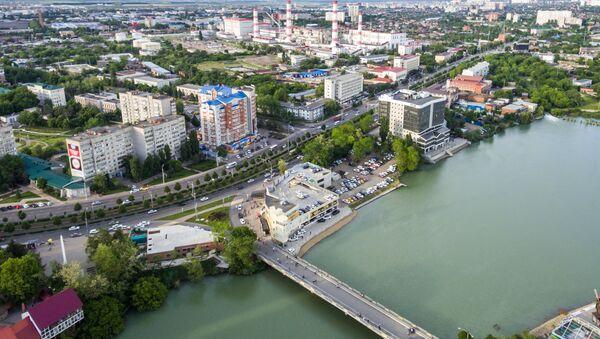 Solnechny Ostrov (Isola insoleggiata) Park e lago Staraya (vecchio) Kuban a Krasnodar. (Foto d'archivio) - Sputnik Italia