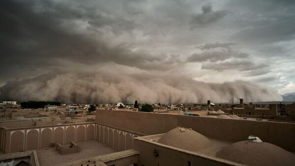 Una tempesta di sabbia a Yazd, Iran. - Sputnik Italia