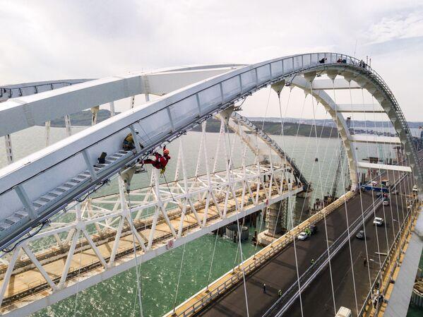 Un mese all'apertura del ponte sullo stretto (di Kerch) - Sputnik Italia