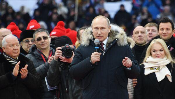 Il presidente russo Putin interviene alla vigilia delle elezioni - Sputnik Italia