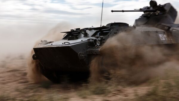 An MT-LB amphibious armoured tracked vehicle during the Center-2015 strategic command drill in Astrakhan Region - Sputnik Italia