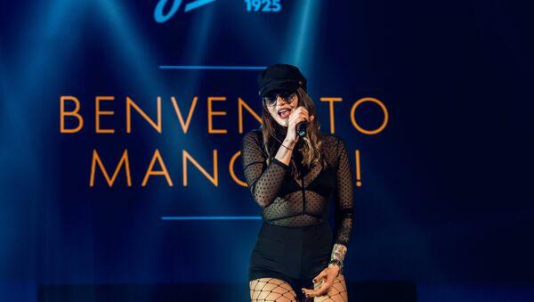 13 giugno 2017: Mancini viene presentato allo Zenit con la musica dal vivo - Sputnik Italia