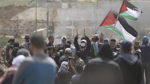 Palestinesi in protesta - Sputnik Italia