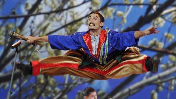 Esibizione del coro dei cosacchi del Kuban al Cremlino - Sputnik Italia