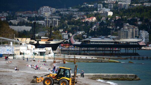 Preparazioni alla stagione turistica a Yalta - Sputnik Italia