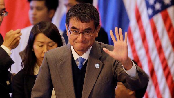 Il ministro degli esteri nipponico Taro Kono. - Sputnik Italia
