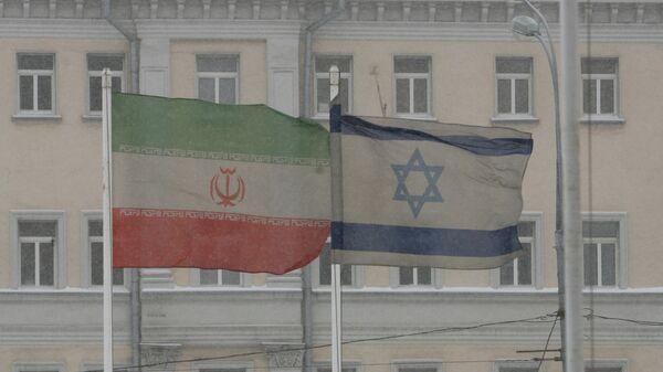 Le bandiere dell'Iran e dell'Israele a Mosca. - Sputnik Italia