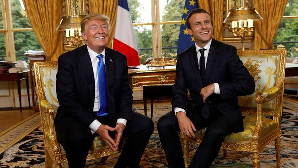 Emmanuel Macron e Donald Trump - Sputnik Italia