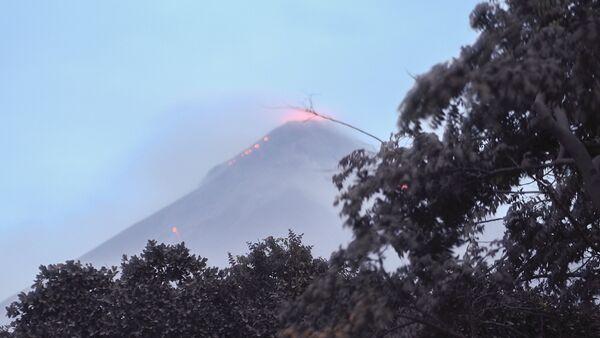 Il vulcano di Fuoco in Guatemala - Sputnik Italia