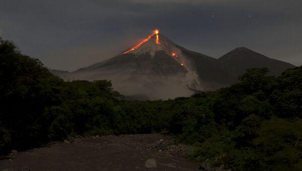 Il Volcan de Fuego in Guatemala (foto d'archivio) - Sputnik Italia