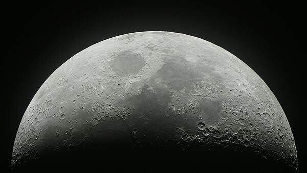 The waxing Moon over Moscow - Sputnik Italia