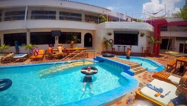 La piscina del Drop Bear Hostel di Santa Marta, Colombia - Sputnik Italia