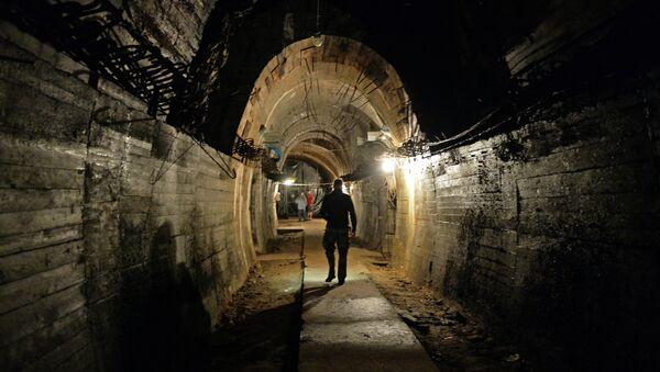 Una galleria sotterranea dei nazi - Sputnik Italia