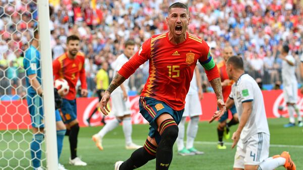 Sergio Ramos esulta dopo il gol del vantaggio spagnolo - Sputnik Italia