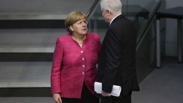 Angela Merkel e Horst Seehofer in Bundsetag - Sputnik Italia
