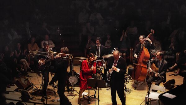 Renzo Arbore e l'orchestra italiana - Sputnik Italia