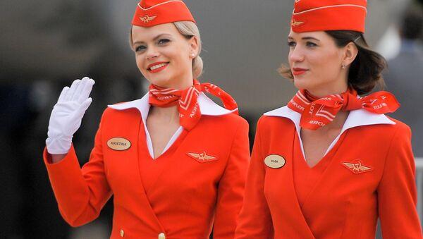 Hostess della compagnia aerea russa Aeroflot - Sputnik Italia