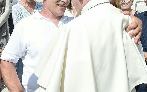 Incontro tra Sergio Pietracito e il Papa Francesco - Sputnik Italia