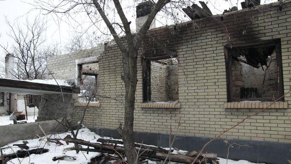 Le conseguenze dei bombardamenti a Enakievo nella regione di Donetsk. - Sputnik Italia