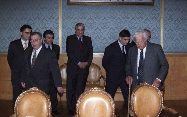 Evgeny Primakov incontra l'Avvocato Gianni Agnelli a Mosca nell'ottobre del 1998 - Sputnik Italia