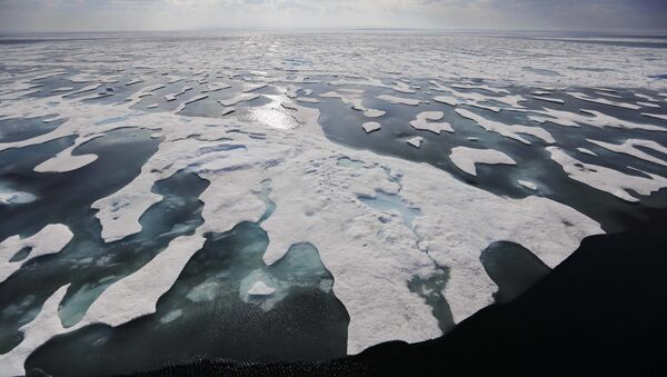 Sea ice melts on the Franklin Strait along the Northwest Passage in the Canadian Arctic Archipelago, Saturday, July 22, 2017. Because of climate change, more sea ice is being lost each summer than is being replenished in winters. Less sea ice coverage also means that less sunlight will be reflected off the surface of the ocean in a process known as the albedo effect. The oceans will absorb more heat, further fueling global warming. - Sputnik Italia