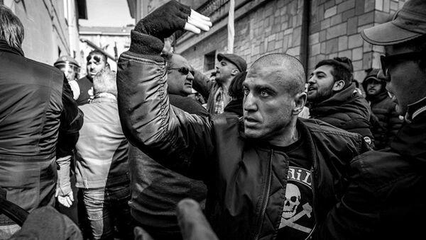 Erli, un ultras dell'Albenga invita allo scontro i tifosi di una squadra avversaria - Sputnik Italia
