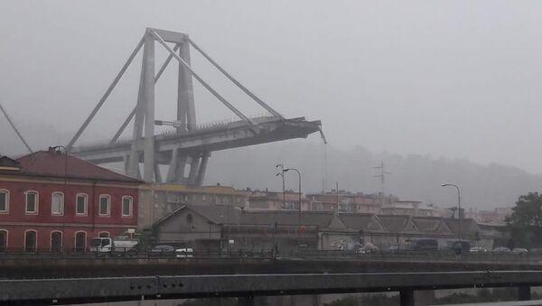 A motorway bridge which collapsed on Tuesday near the northern Italian port city of Genoa - Sputnik Italia