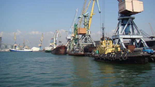 Il porto di Berdyansk, sul mare d'Azov in Ucraina - Sputnik Italia