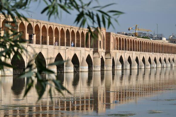 Il ponte Sio-o-se Pol, ad Esfahan in Iran - Sputnik Italia