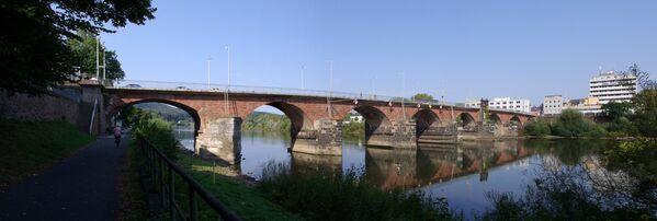 Il ponte sulla Mosella a Treviri, in Germania - Sputnik Italia