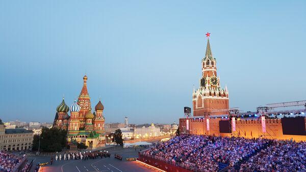 La Piazza Rossa all'inizio del festival Torre Spasskaya 2018 - Sputnik Italia