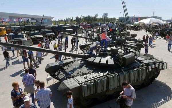 Il carro armato T-72 - Sputnik Italia