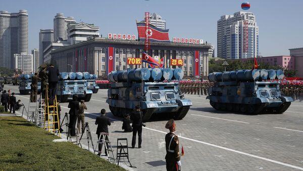 Parata in onore del giorno della Repubblica Popolare Democratica di Corea a Pyongyang. - Sputnik Italia